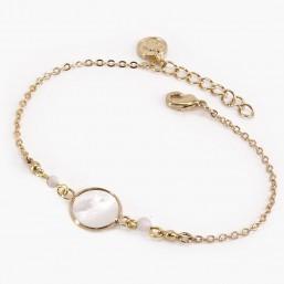 bracelet fantaisie Chorange en chaîne de métal plaqué argent ou doré et cabochon en  nacre