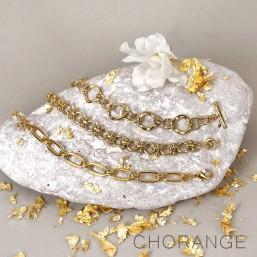 Bracelets chaines dorées fantaisies par  Chorange Cannes, créateur de bijoux fantaisie