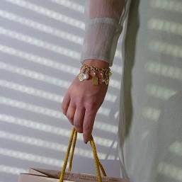 bracelet doré avec et charms pampilles en metal Chorange bijoux fantaisie