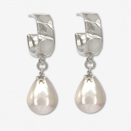 Earring with shell beads, hoops size 2cm This earring is plated real silver