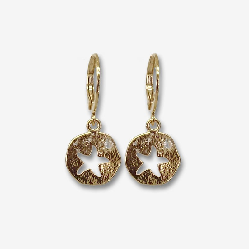 These are designer jewelry in 18k gold plated quality.You will love to wear the costume jewelry from this collection