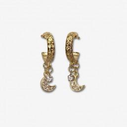 Petites boucles d'oreilles fantaisies créoles plaquées or fin 24 carats.