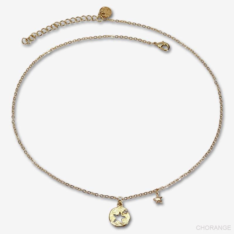 collier fantaisie plaqué or  très facile à porter et qui rappellera nos pieds sur sable chaud