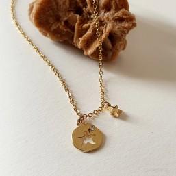 collier fantaisie plaqué or  très facile à porter