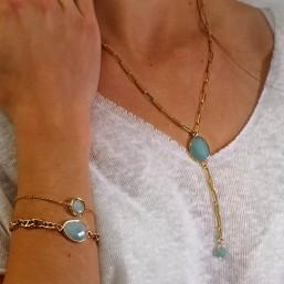 long collier et bracelets motif en pierre fine et chaine métal plaqué or