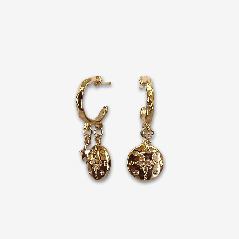Boucles d'oreilles créoles FANTAISIES avec ses pampilles plaquées or fin 24 carats. Creole13mm plus les pampilles